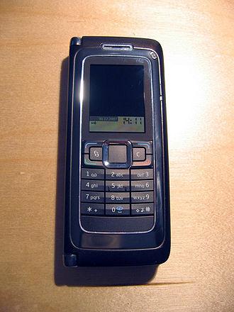 Nokia E90 Communicator - Nokia E90, when closed
