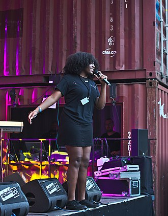 Noname (rapper) - Noname performing in 2017