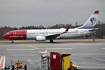 Norwegian (Elsa Beskow livery), LN-DYV, Boeing 737-8JP (23717185600).jpg