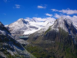 Nufenen Pass - View of Griesgletscher from the pass