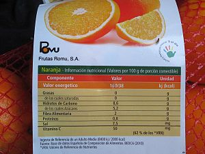 Nutrition facts label - A rare example of optional nutrition facts on a label for oranges (in the EU not mandatory for unprocessed fruits)