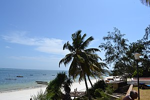 Nyali Beach towards the south from the Reef Hotel during high tide in Mombasa, Kenya 2.jpg