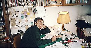 Orhan Pamuk - Pamuk in his personal writing space