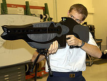 Un raggio abbagliante, esempio di arma non letale