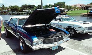 Oldsmobile 442 - 1970 Oldsmobile 442 W30 Convertible and 1970 Oldsmobile 442 Indy 500 Pace Car