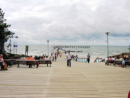 Pedestrian pier at Palanga, the most popular sea resort in Lithuania Palangos tiltas1.jpg