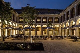 Alcalá de Henares, su hosteria y parador de turismo
