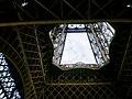 Paris, Eiffelturm, von unten 2008-06 (3).jpg