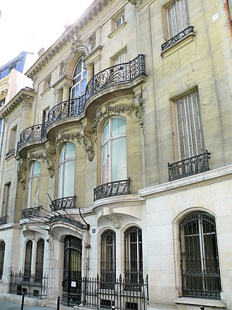 Paris architecture of the Belle Époque - The Hotel de Choudens, (1901), a neo-Renaissance mansion by Charles Girault, designer of the Petit Palais.