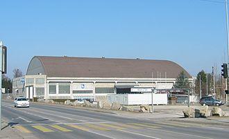 BCF Arena - Image: Patinoire de St Leonard Aussen