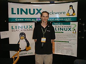 Patrick Volkerding at Linuxworld 2000 in New York City.jpg