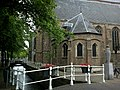 Pays-Bas Delft Oude Kerk Cote Droit - panoramio.jpg