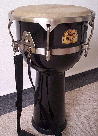 Pearl Drums - Djembe.