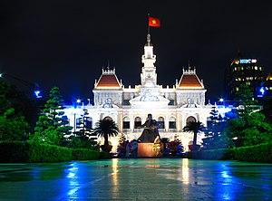 Giá vé máy bay cho đoàn của hãng Vietnam Airlines từ Buôn Ma Thuộc tới Sài Gòn