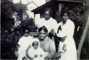 Peter Bruner - Image: Peter Bruner's family, in or before 1919