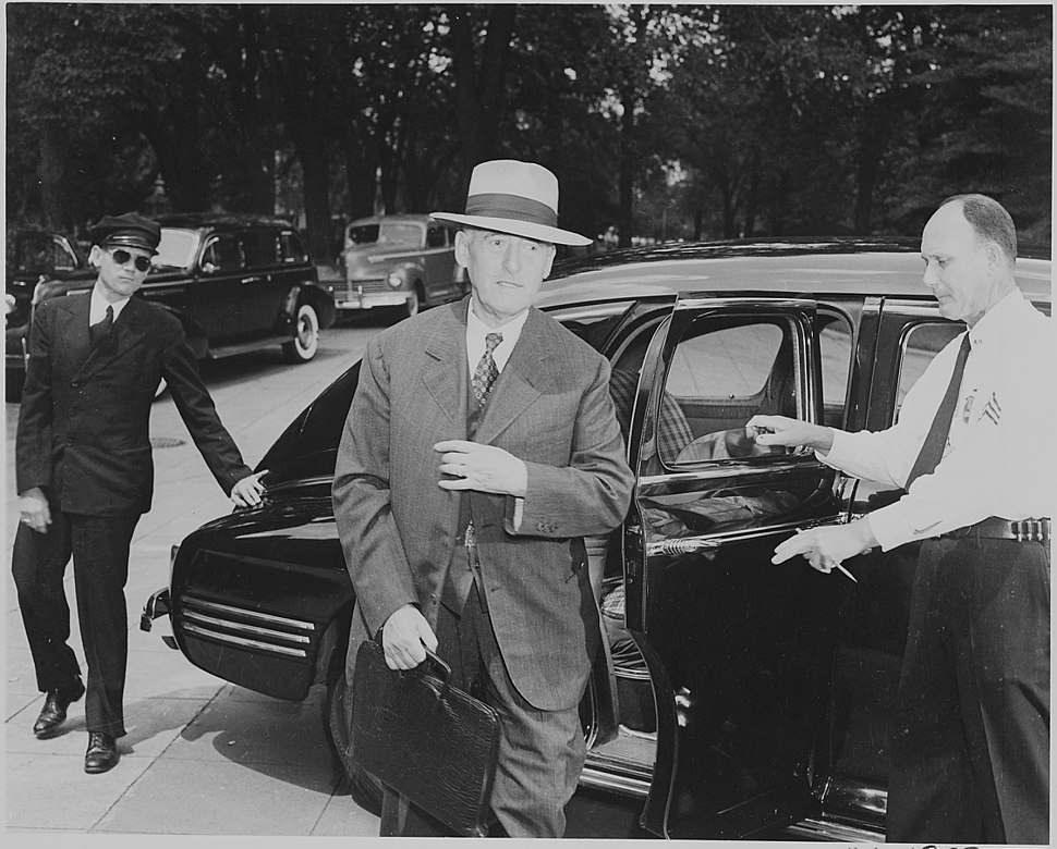 Photograph of Secretary of War Henry Stimson, evidently arriving at the White House for a Cabinet meeting. - NARA - 199142
