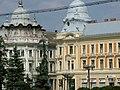 Piata Unirii Cluj-Napoca - Cladirile gemene de pe Str. Iuliu Maniu (2006).jpg