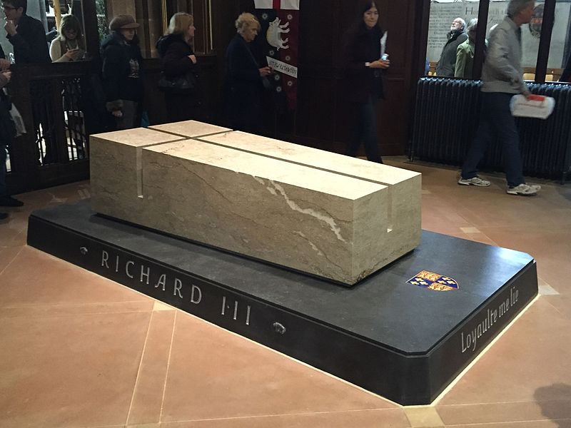 File:Picture of Richard III's new tomb.jpg