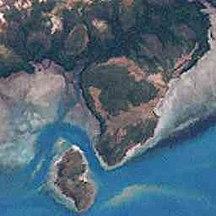 Port Lihou Island--Port Lihou Island and Packe Island (Landsat)