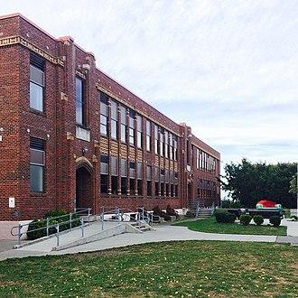 Port Townsend High School - Port Townsend HS, main building entry 2015