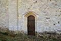 Porte latérale nord de l'église Saint-Vigor d'Asnières-en-Bessin.jpg