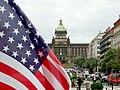 Praha, Nové Město, Václavské náměstí, vlajka USA a muzeum.JPG