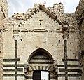 Prato, castello dell'imperatore, portale 01.jpg