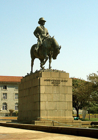 Voortrekkers - Statue of Andries Pretorius in front of the City Hall of Pretoria