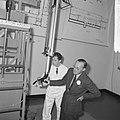 Prins Bernhard bezocht reactorcentrum Petten, de Prins tijdens rondgang, Bestanddeelnr 917-2079.jpg