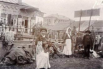 Pietrykaw - Pyetrykaw market, onions and garlic, 1912