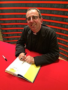 Rev Richard Coles (15364254977).jpg