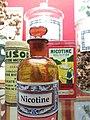 Rillieux-la-Pape - Musée Testut-Latarjet, produits à base de nicotine.jpg