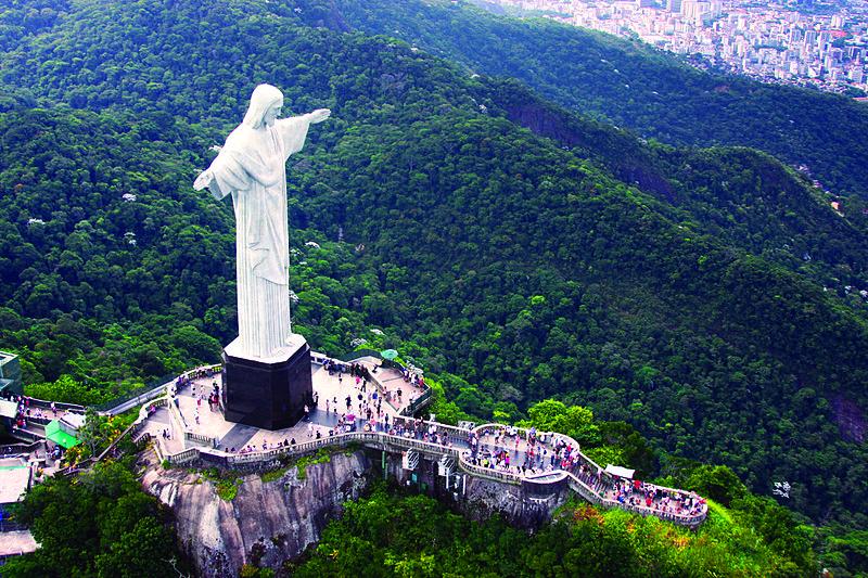 File:Rio de Janeiro - Rio dos cartões-postais - Cristo Redentor-2.JPG