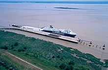 RoRo ship Ville de Bordeaux in Pauillac.jpg