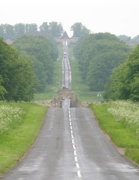 File:Road to Castle Howard - geograph.org.uk - 13074.jpg