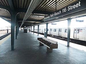 Rockaway Park–Beach 116th Street (IND Rockaway Line) - Image: Rockaway Pk B 116th St platform