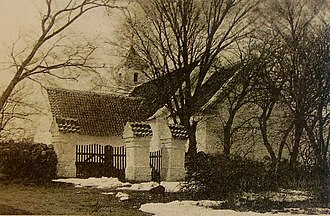 Rolsø Kapel - Picture of Rolsø Church before it was torn down in 1908. The desolate cemetery still exists together with the churches porch that has been converted into a chapel