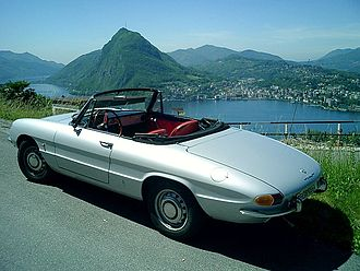 """Alfa Romeo Spider - Alfa Romeo 1750 Spider Veloce """"Osso di seppia"""""""
