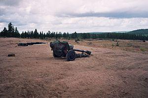 Rovajärvi - A D-30 howitzer in Rovajärvi, 1997.