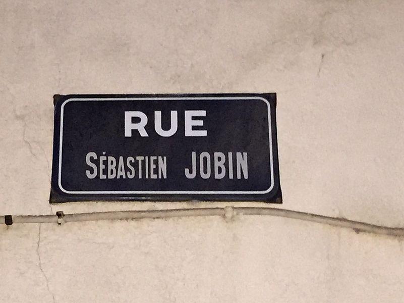 Rue Sébastien-Jobin (Saint-Fargeau).