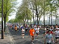 Runners along the Seine in the 2007 Paris Marathon.jpg