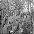 Ruotsin perintöprinssi Kustaa Aadolf Hango rintamalla.jpg