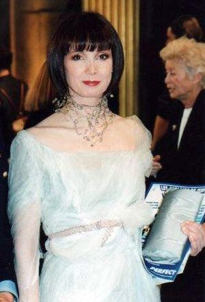 Sabine Azéma - Sabine Azéma at the César Awards ceremony in 1998 .