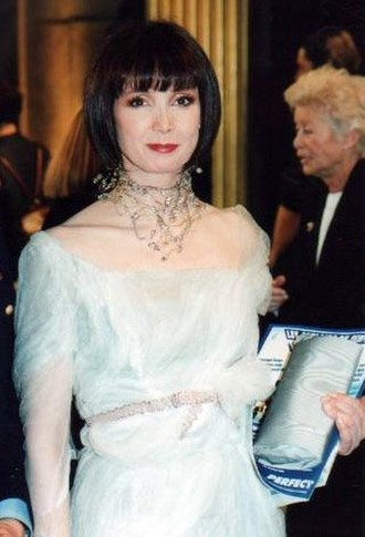 Sabine Azéma - Sabine Azéma at the César Awards ceremony in 1998 .