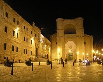San Benito el Real, Valladolid - San Benito in night.