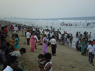 Santhome - Santhome beach crowded with people.