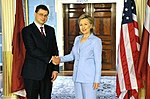Secretary Clinton Shakes Hands With Latvian Prime Minister Valdis Dombrovskis (4704973130).jpg