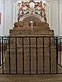 Sepulcro del Cid y esposa. San Pedro de Cardeña.jpg