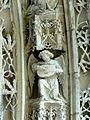 Serans (60), église Saint-Denis, portail, ange musicien de l'archivolte 5.jpg