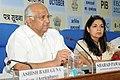 Sharad Pawar addressing the Economic Editors' Conference-2012, in New Delhi on October 09, 2012. The Principal Director General (M&C), Press Information Bureau, Smt. Neelam Kapur is also seen.jpg